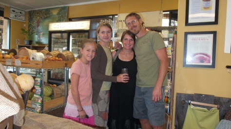 Ella and Rylee with Mandy and Bob at Country Organics
